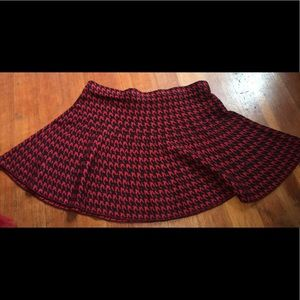 Adorable edgy houndstooth miniskirt